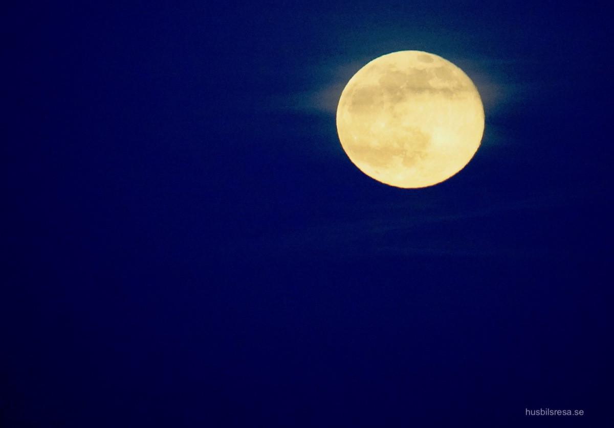 Månuppgång i Simrishamn